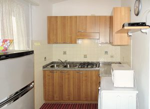 cucina attrezzata ad angolo