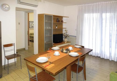 sala da pranzo e salotto